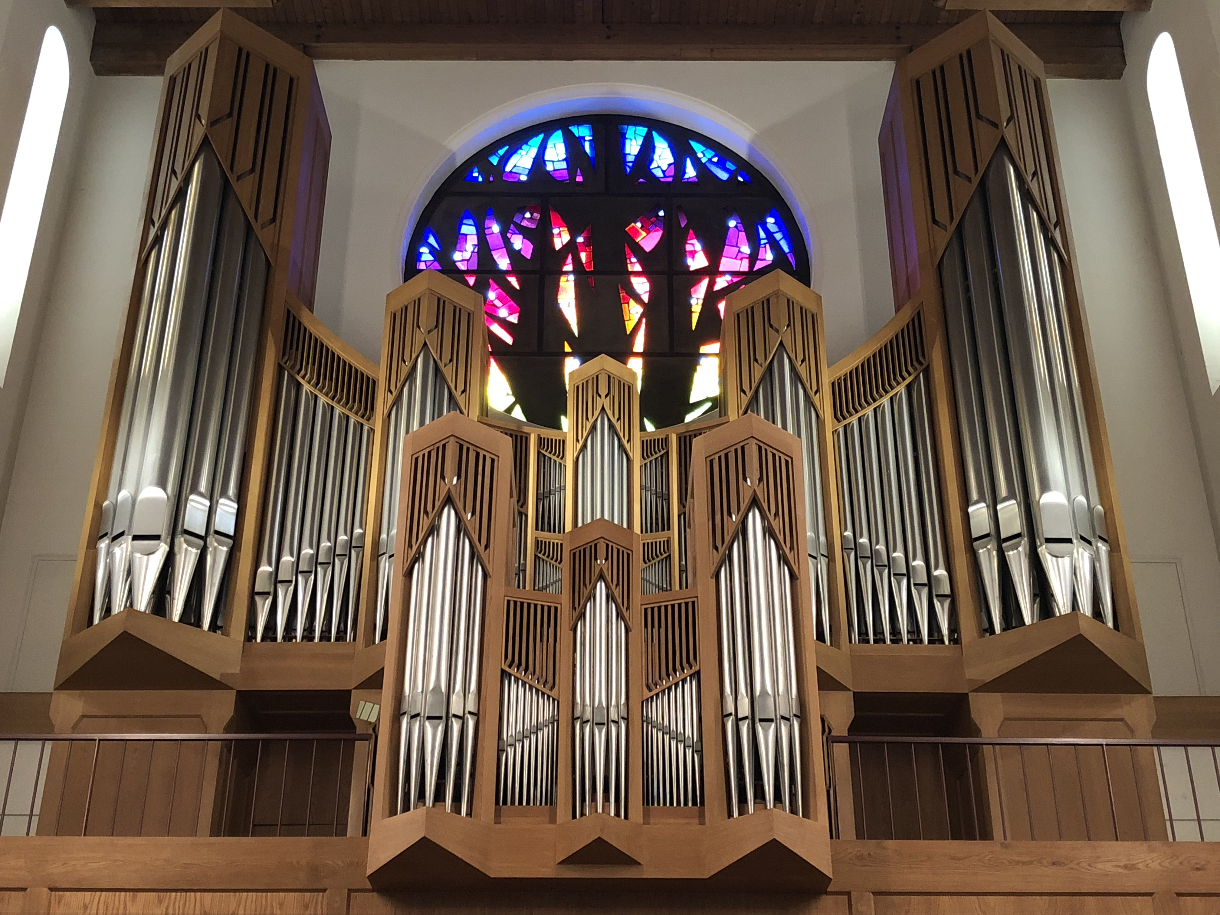 Orgue de l'église Sainte-Thérèse